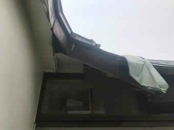 屋根雪害破損4