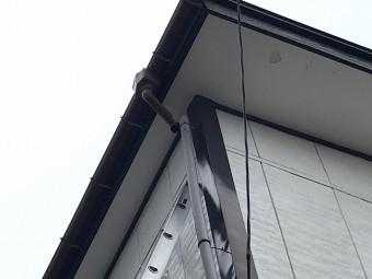 外れた雨樋