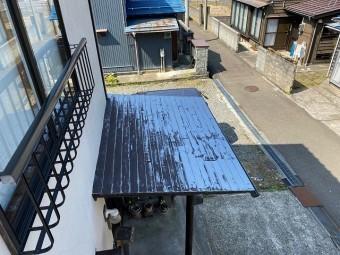 下屋の屋根